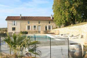 Chateau les Bouzigues Swimming Pool